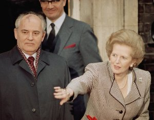 thatcher-takes-charge-of-proceedings-with-soviet-leader-mikhail-gorbachev-in-1989